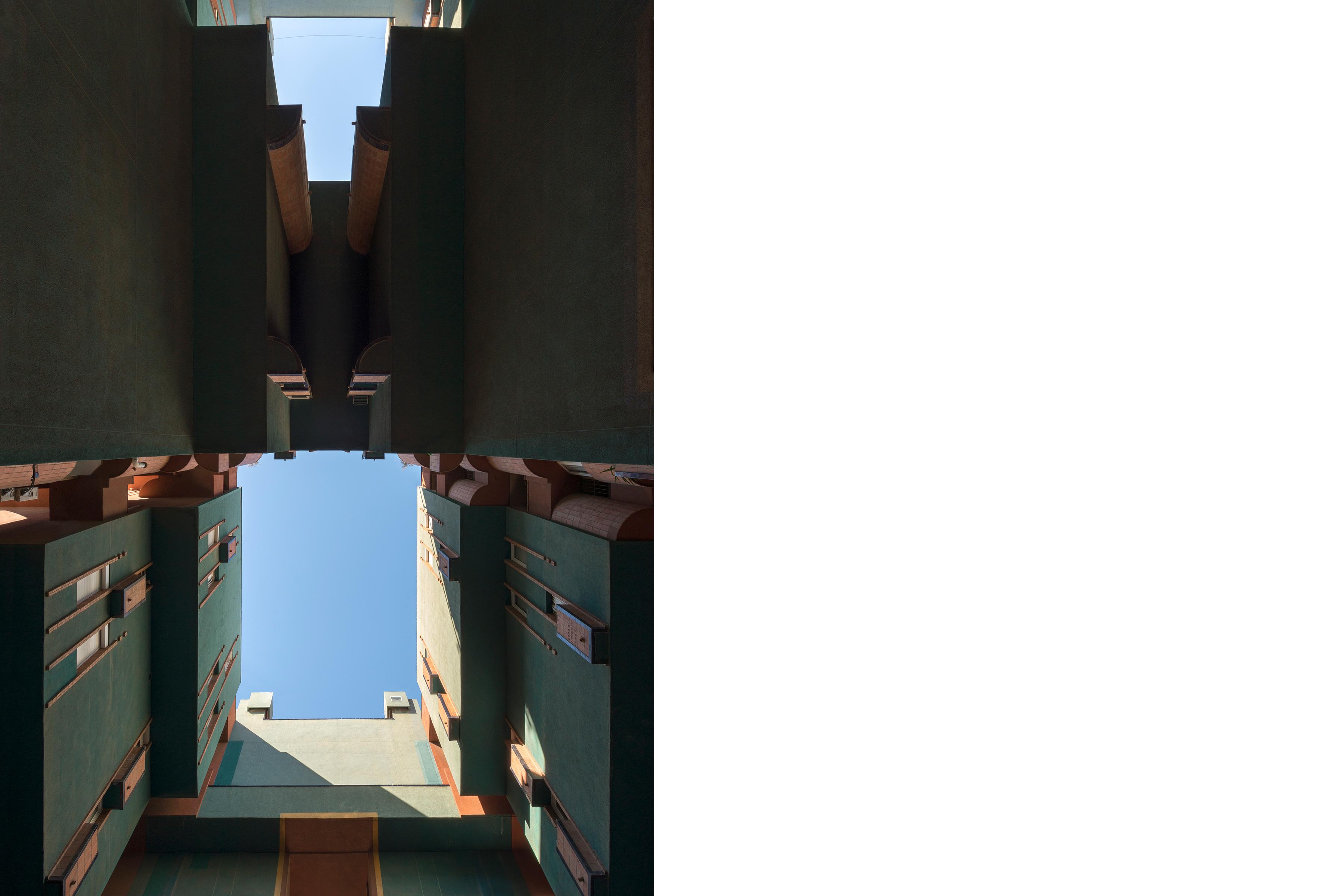 Architectural photography of Walden 7 in Barcelona by Ricardo Bofill | Dario Lanfranconi 2019